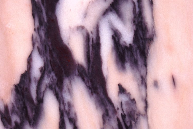 El mármol es una piedra delicada y natural que requiere cuidados especiales.