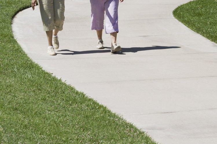 Una vereda puede hacerse para crear una superficie suave y duradera para caminar.