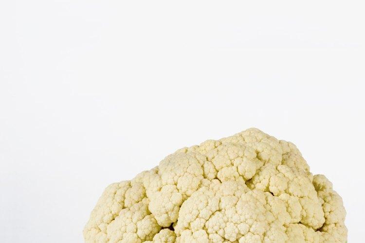 La coliflor es un cultivo de col, o uno que es resistente a las heladas y crecen mejor en climas más fríos.