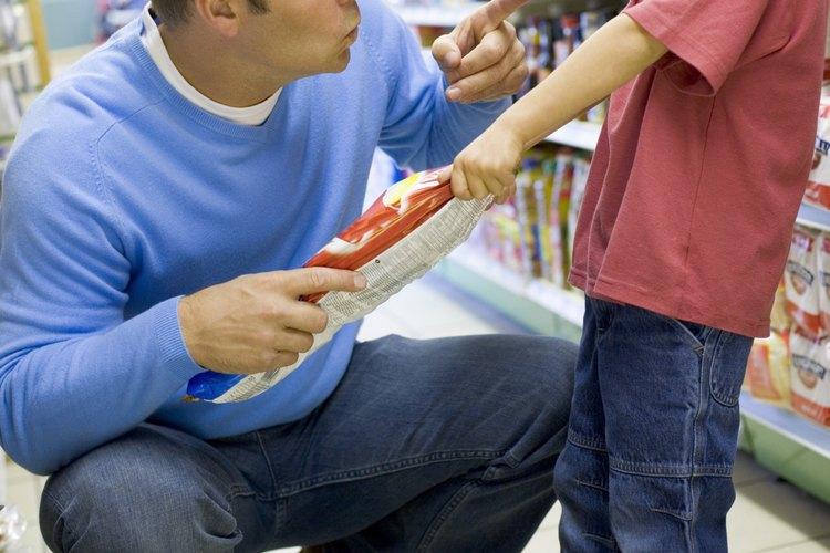Usa las actividades diarias para reforzar las habilidades de lenguaje receptivo de tu hijo.