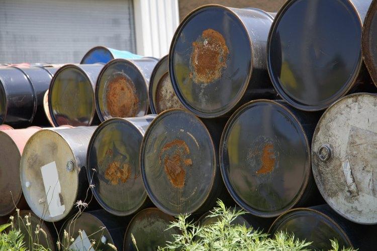 Haz una barbacoa personalizada con un tanque viejo de aceite.