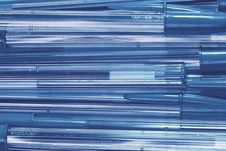 Los bolígrafos de tinta azul pueden usarse para teñir tela.