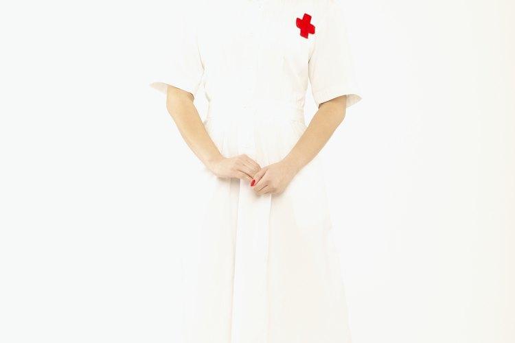 Para ser una enfermera de hospital se necesitan numerosas habilidades y cualidades, que van más allá del trabajo teórico de los cursos universitarios.