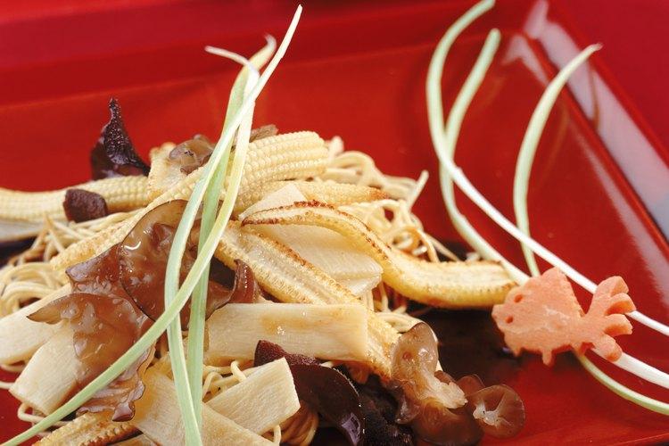 Los brotes de bambú se utilizan en un número de platos asiáticos.