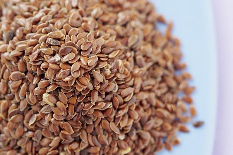 En la foto vemos la semilla de lino sin triturar para recuperar el aceite.