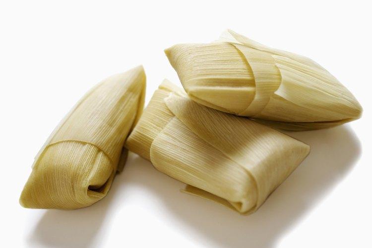 Los tamales se envuelven a menudo en hojas de maíz.