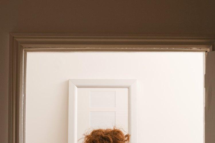 Un espejo se puede pegar a tu puerta.