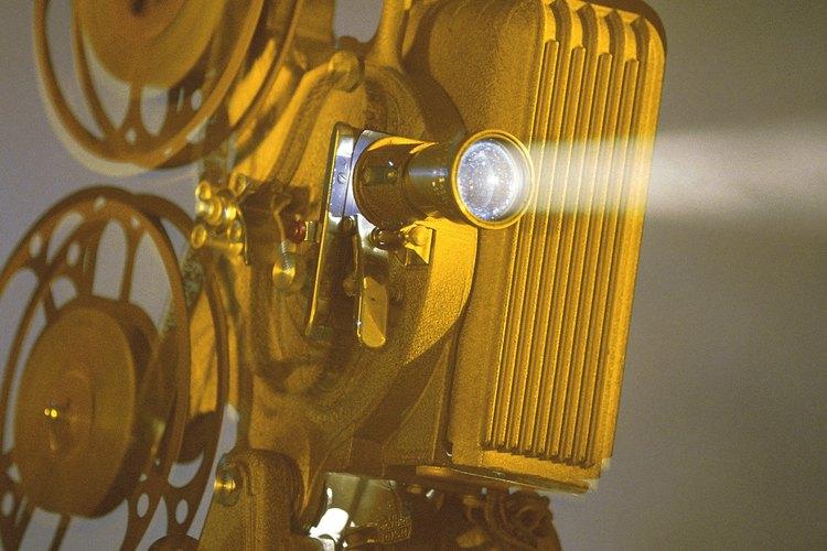 Los proyectores modernos pueden disfrutarse tanto dentro como fuera de tu hogar.
