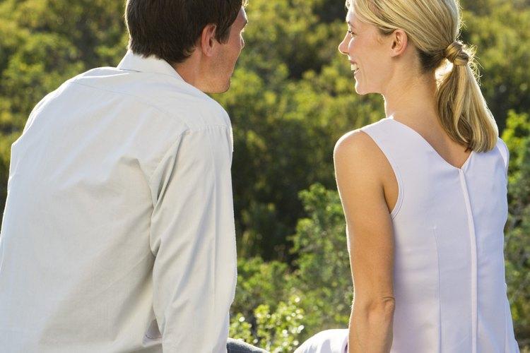 Haz preguntas a tu pareja desde el corazón para fortalecer la intimidad.