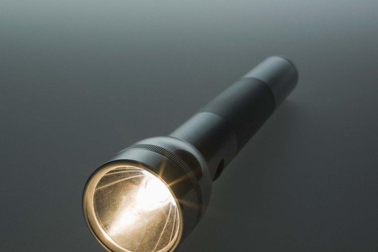 Las linternas a menudo utilizan varias pilas de tipo D de gran tamaño.