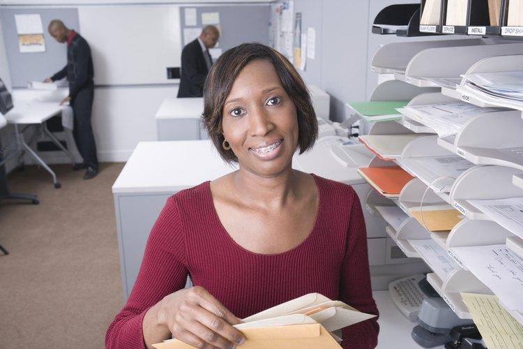 Cuando una empresa escribe una carta de negocios, incluye ciertos elementos estándar.