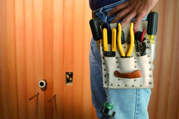 Busca el calibre adecuado para el cable de la toma de corriente de tu casa.