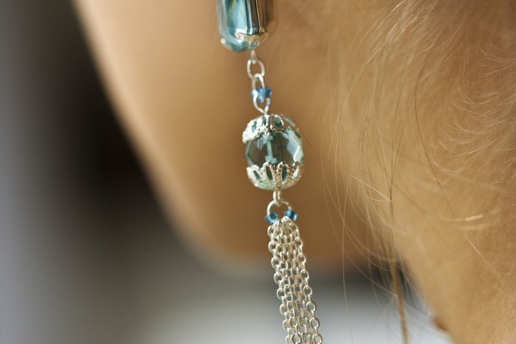 Evita que tus joyas de imitación de plata se oxiden para evitar que se vuelvan de otros colores.