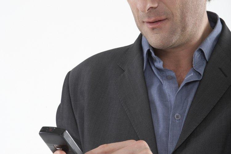 Las compañías podrían prohibir el uso de teléfonos celulares en el trabajo.
