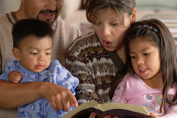 Enseña los valores cristianos a tus hijos durante la hora de cuentos.