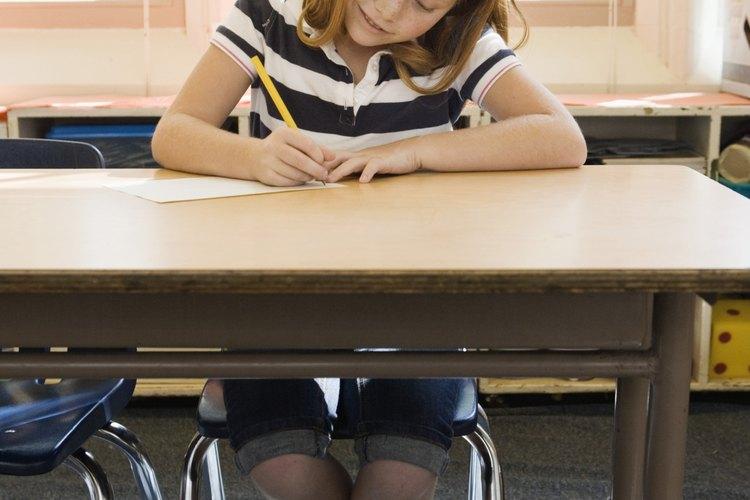 Proporciónales una lista de actividades que puedan realizar en sus asientos.