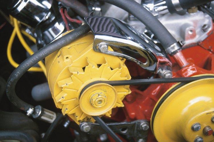 El alternador suministra energía eléctrica esencial para que operen los componentes eléctricos de tu auto.