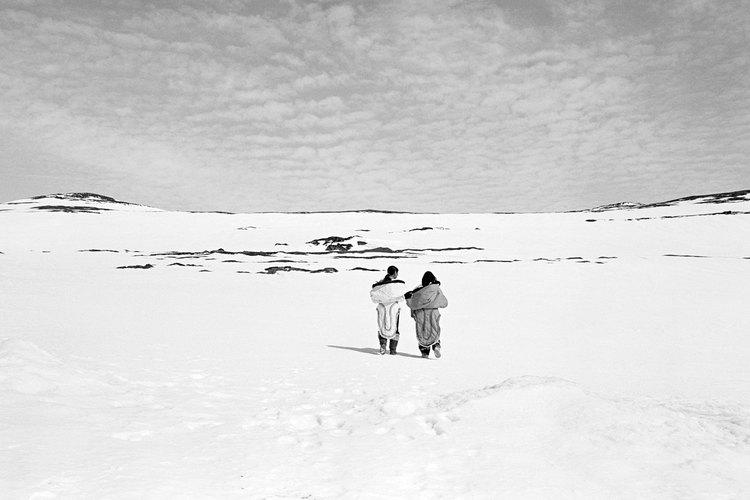 Los inuit provienen de tierras frías e inhóspitas, lo cual influencia su arraigada creencia en los espíritus.