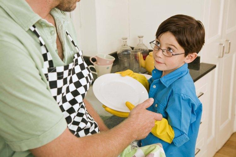 Ayuda a los niños a aprender cómo amar al prójimo activamente.