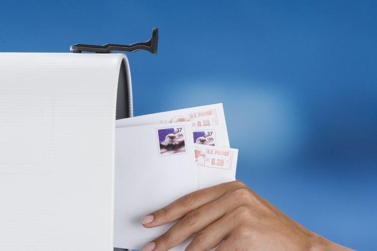 Enviar correo en México es similar a hacerlo en Estados Unidos.