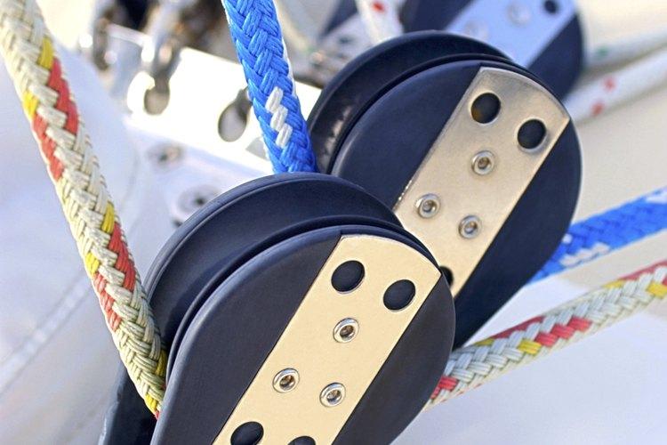 Una polea es utilizada para jalar o levantar pesos.