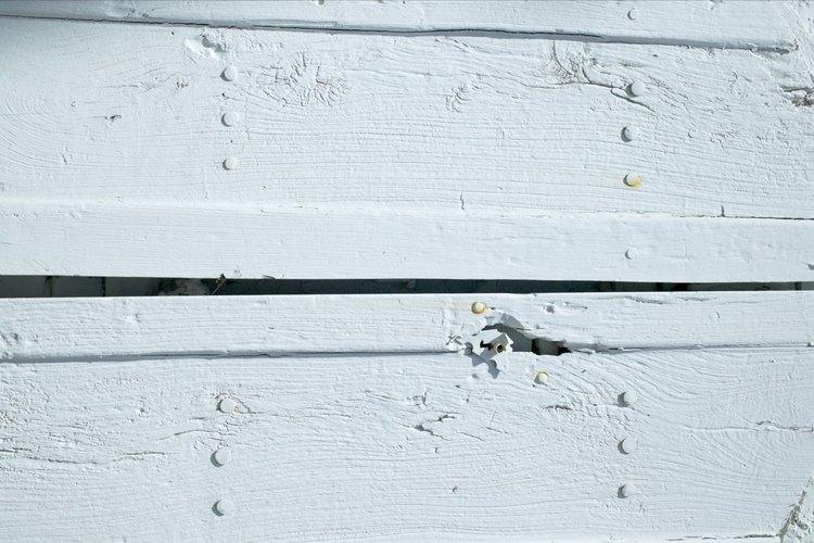 La lechada de cal disminuye el deterioro de la madera.