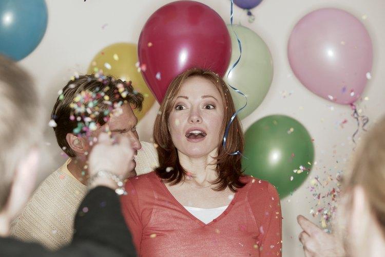 Sorprender a tu esposa en su cumpleaños requiere creatividad y la capacidad de guardar el secreto.