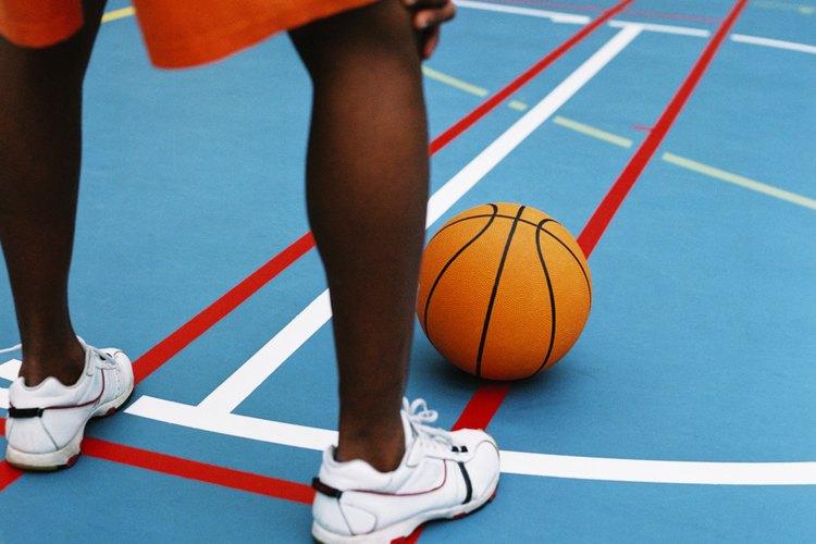 Nike, Reebok y Adidas manufacturan vestimenta y calzado deportivo.
