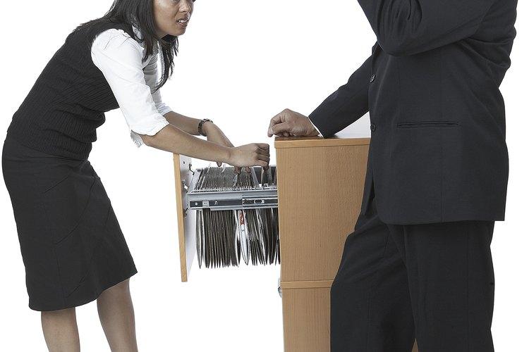La jerarquía en el lugar de trabajo es a menudo definida por el género.