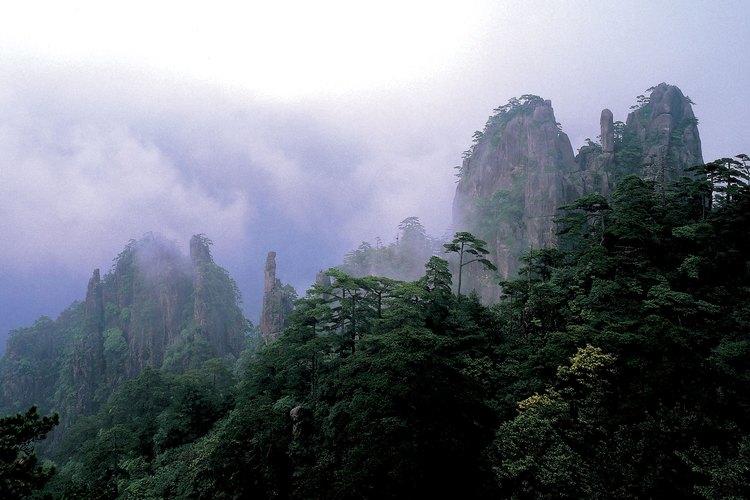 Montañas nubladas en China.