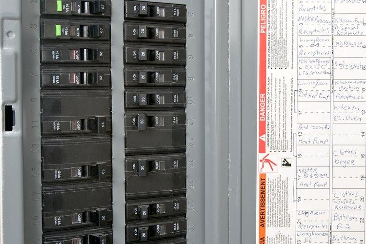 Un zumbido en un tablero eléctrico es probablemente en el interruptor.