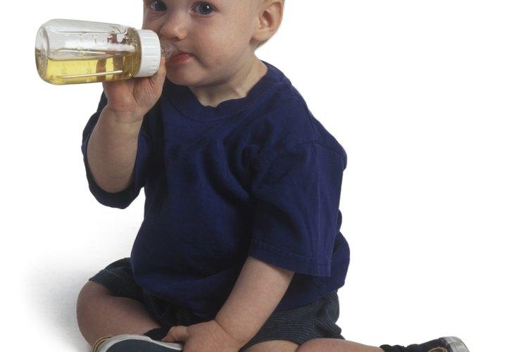 Limita la cantidad de bebidas con mucha azúcar y grasa que consume tu niño.