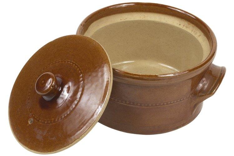 Las cacerolas de cerámica pueden pasar a la siguiente generación de cocineros en la familia.