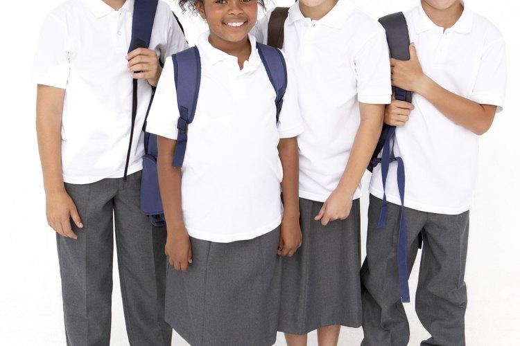 Los uniformes escolares ofrecen una mayor experiencia educacional a los niños.