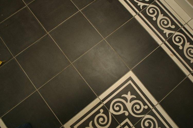 Los pisos opacos pueden hacer que hasta los lugares más limpios parezcan sucios.