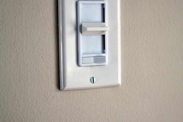 Los potenciómetros de las lámparas utilizan los SCR y los Triac para controlar la corriente eléctrica.