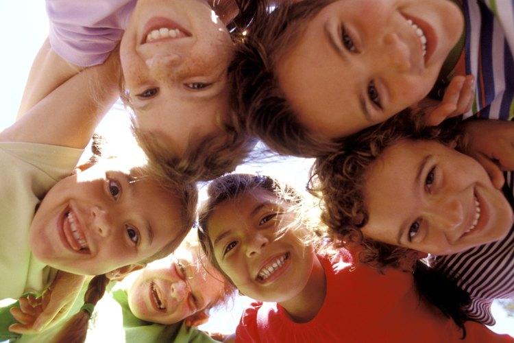 El trabajo en equipo obliga a los niños a trabaja en conjunto para encontrar la solución.