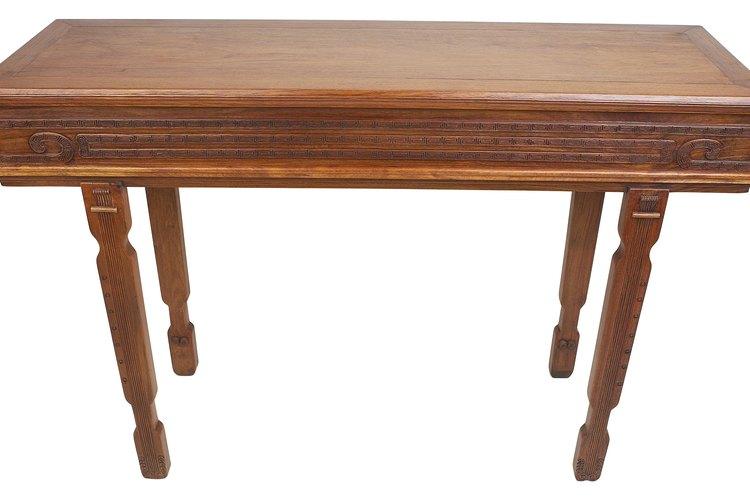Una mesa inestable es una de las pequeñas molestias de la vida.