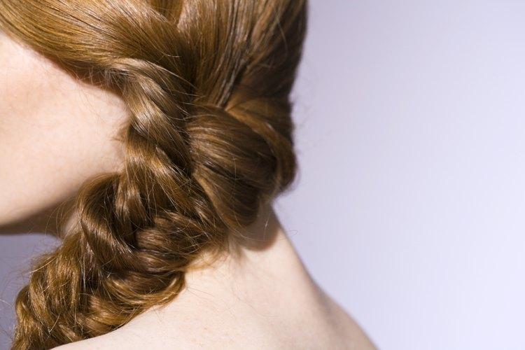 Trenza tu cabello para evitar que se enrede.