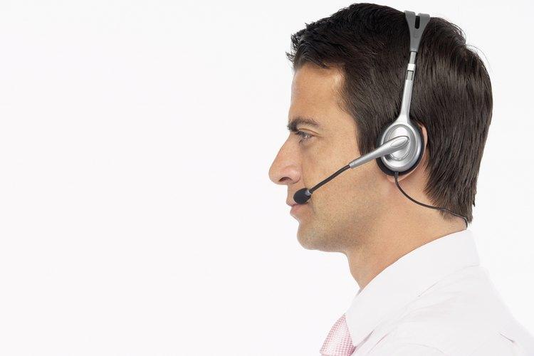 Muchos centros de llamado de emergencia proveen entrenamiento durante el trabajo a partir de las necesidades específicas de los participantes.