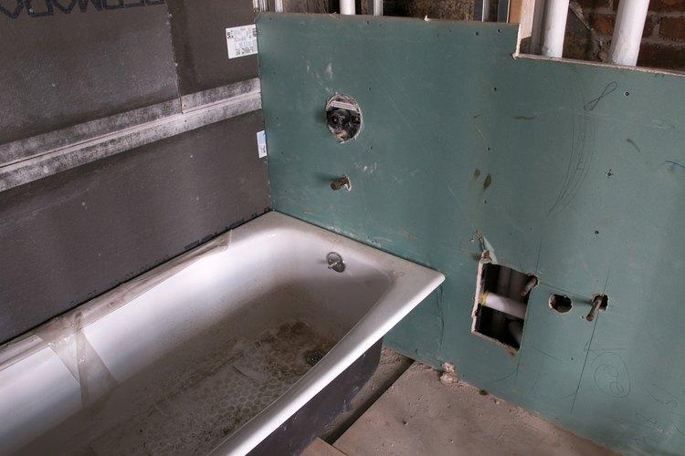La distribución es el paso preliminar en la renovación del baño.