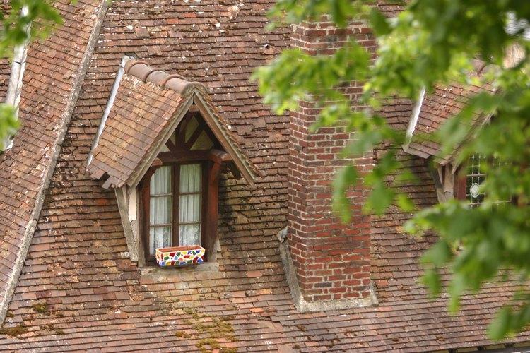 El tapajuntas previene el filtrado donde la pared se une con el techo.