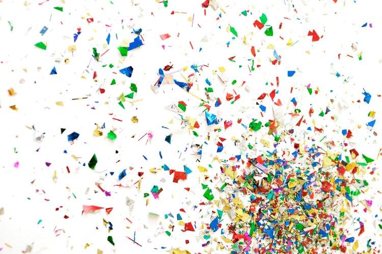 Las bolsas para estrujar de confeti permiten la diversión en Año Nuevo.