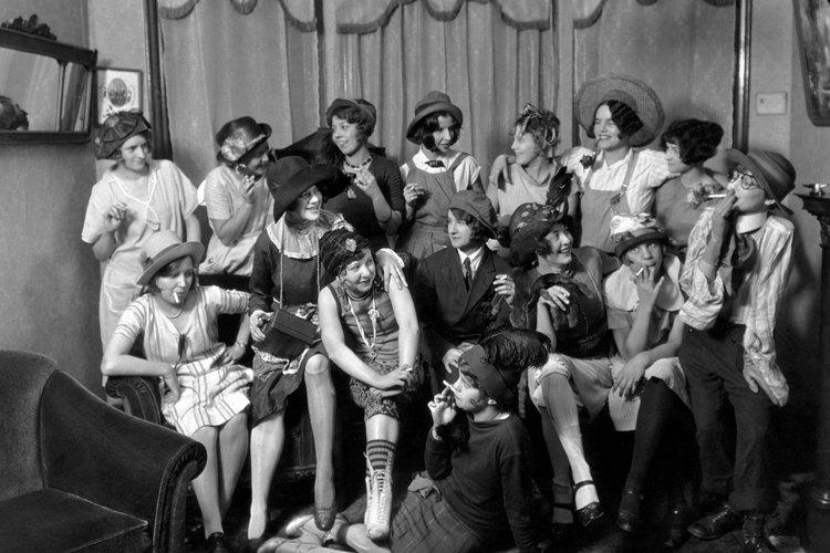 """Las flappers solían usar el cabello corte al estilo """"bob""""."""