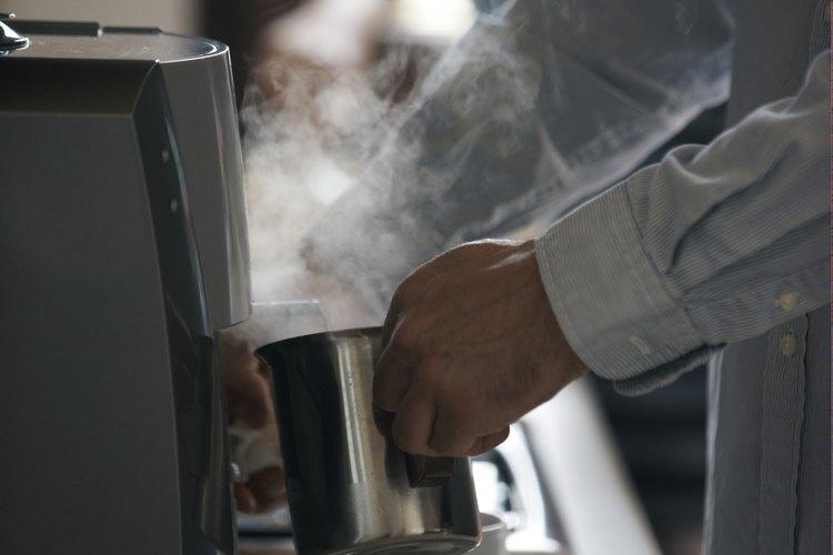 Un administrador de Starbucks puede ver recompensado su trabado duro con buenos salarios y beneficios.