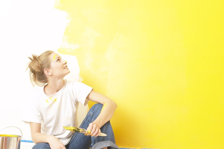 La pintura de interiores se seca rápidamente.