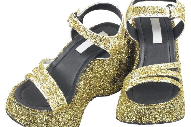 Zapatos con plataformas.