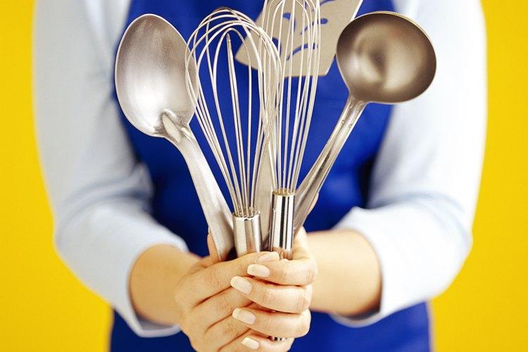 Los utensilios de cocina son un regalo práctico.