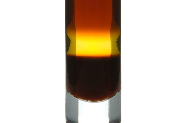 Los vasos para tragos tienen su nombre en inglés por el sonido que hacen al golpear la mesa.