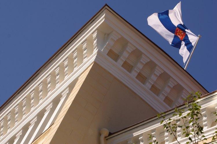 Los países tienen tanto embajadas como consulados situados en otros países.